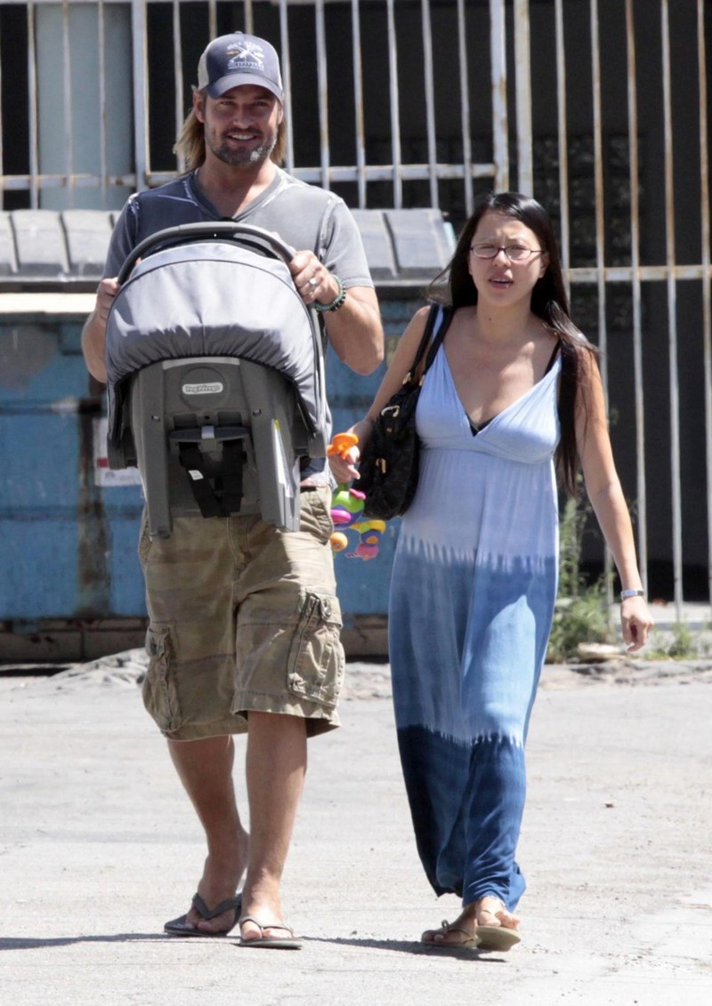 07-09-09 Beverly Hills, CA Actor Josh Holloway and his wife Yessica seen leaving a restaurant with their daughter Java in Beverly Hills.... Non-Exclusive Pix by Flynet ©2009 818-307-4813 Nicolas 310-869-0177 Scott