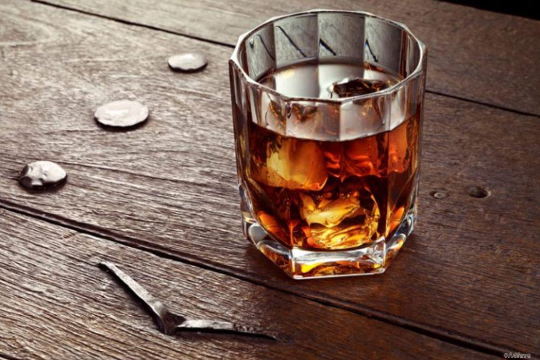 1435332017_kak-pit-viski-1-696x522