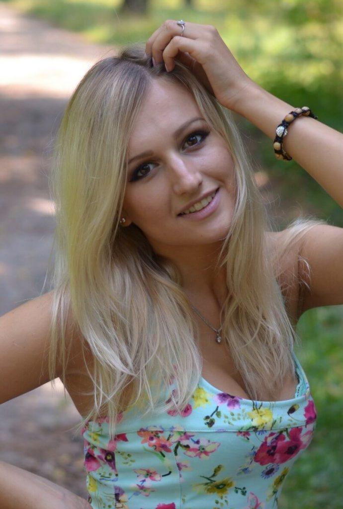 Потрясающая русская девушка