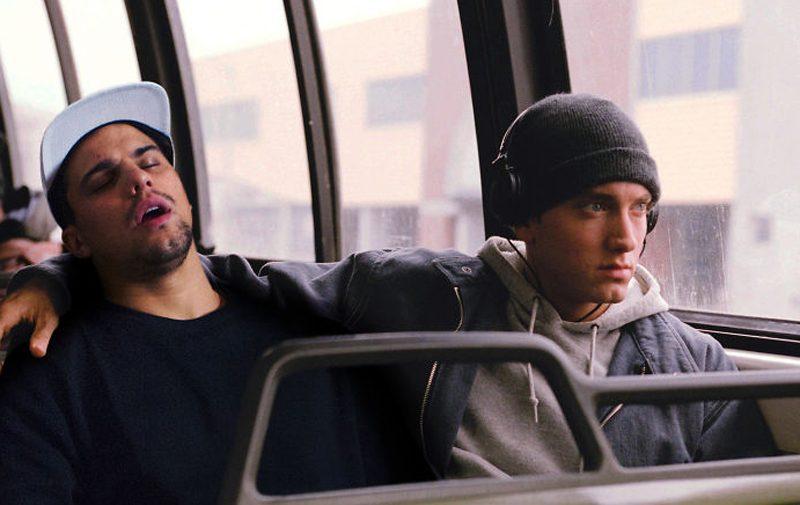 Eminem-5821b795a8ec0-png__700-800x505