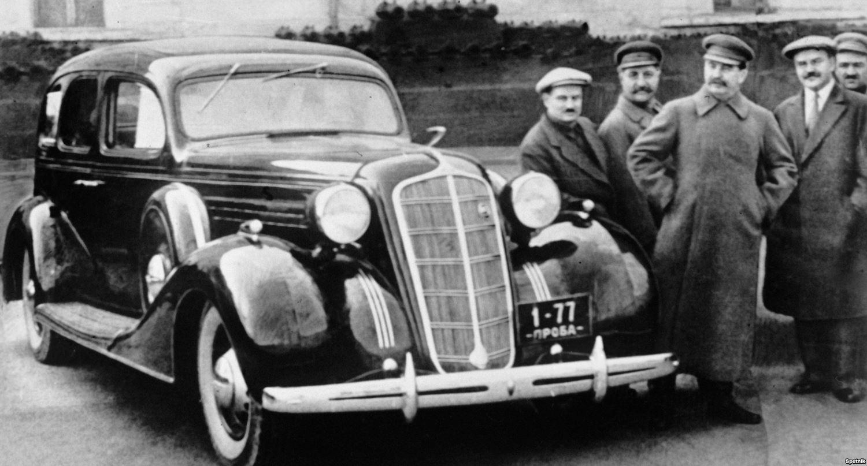 6204 04/17/1936 Josef Stalin, Vyacheslav Molotov, Anastas Mikoyan, Sergo Ordzhonikidze and Ivan Likhachev standing next to a new ZIS-101 car in the Kremlin.  RIA Novosti/Sputnik