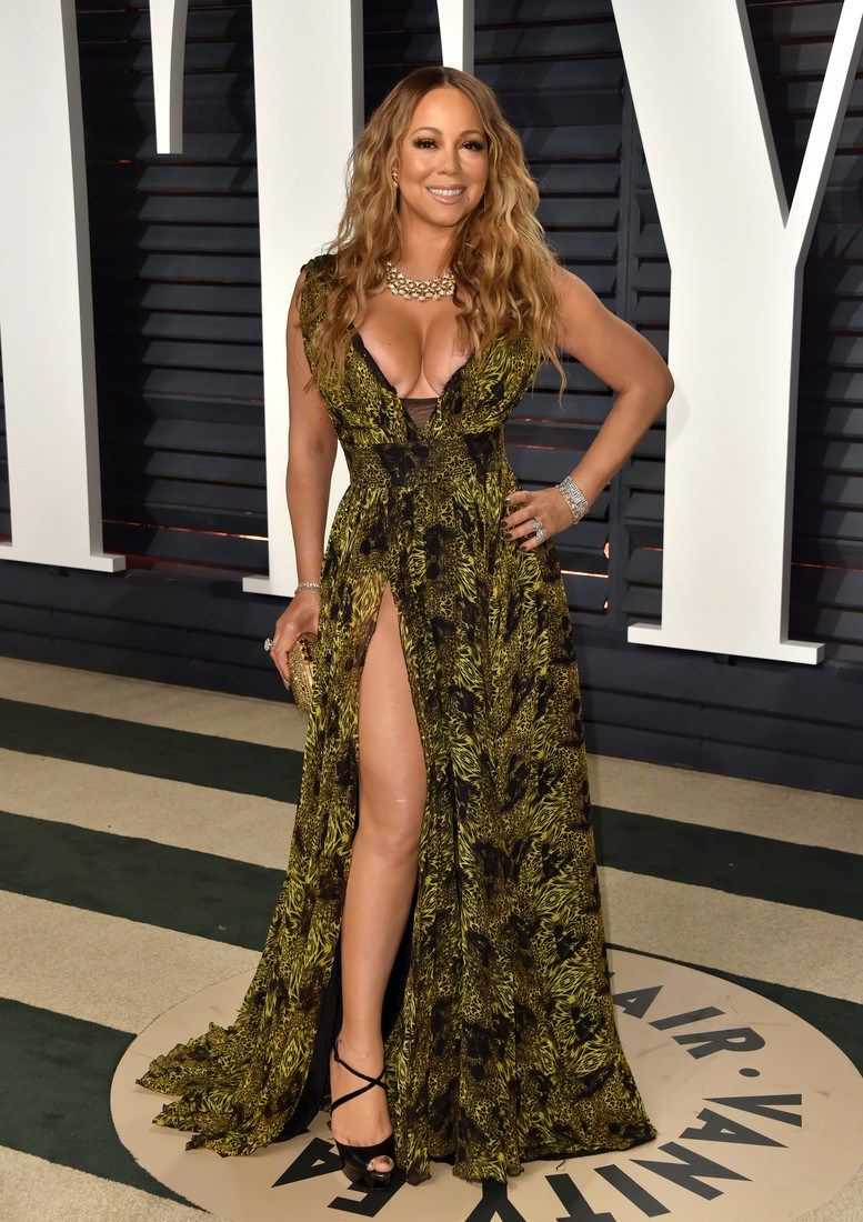 BEVERLY HILLS, CA - FEBRUARY 26:  Singer-songwriter Mariah Carey attends the 2017 Vanity Fair Oscar Party hosted by Graydon Carter at Wallis Annenberg Center for the Performing Arts on February 26, 2017 in Beverly Hills, California.  (Photo by Alberto E. Rodriguez/WireImage)