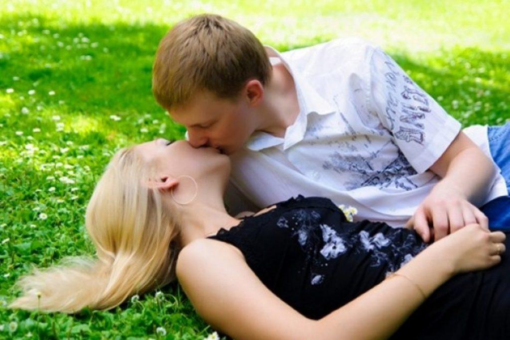 во сне целовалась с незнакомцем походе, если